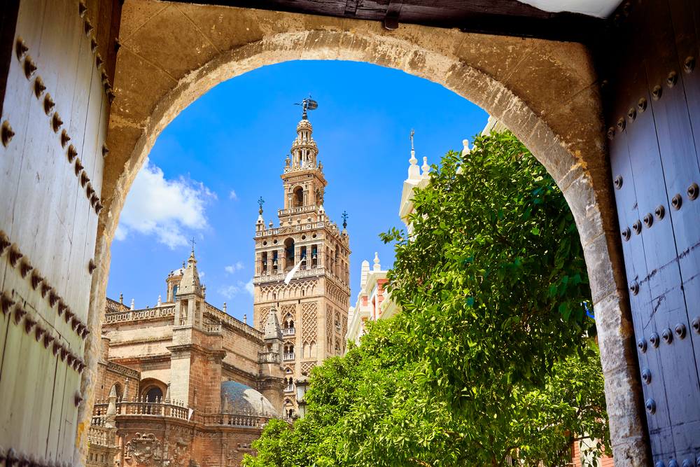 Seville MUST SEE: The Cathedral & The Royal Alcazar